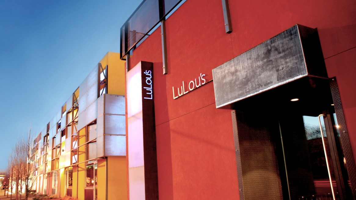 LuLou's – Exterior Build Out